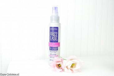 Haarverzorging: John Frieda Frizz ease, 3 day straight semi-permanent styling spray