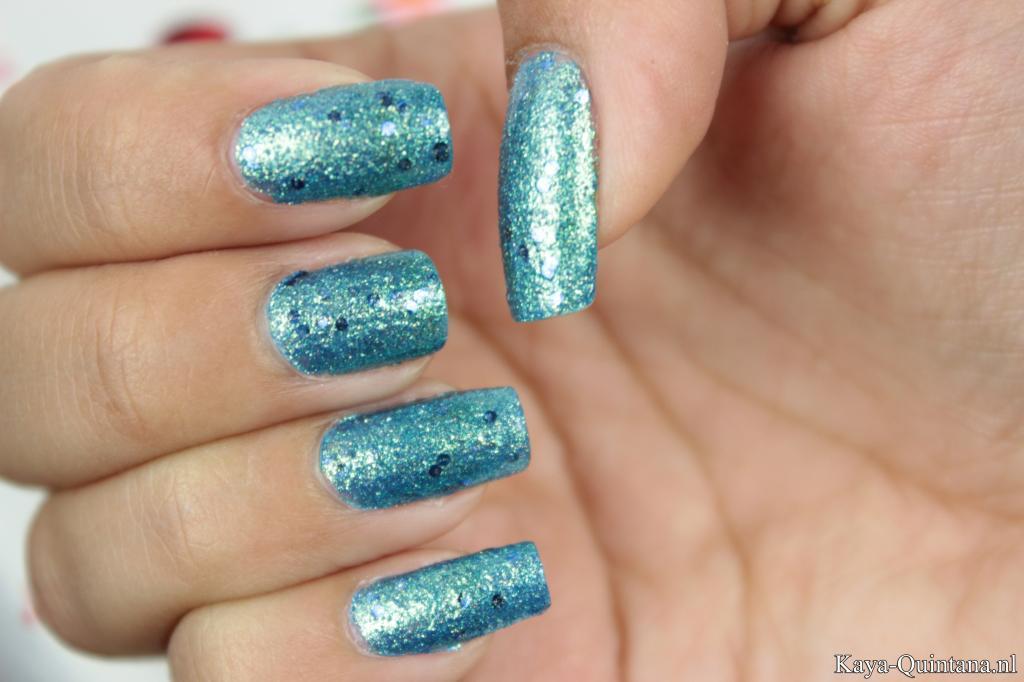 maybelline brocades beaming blue