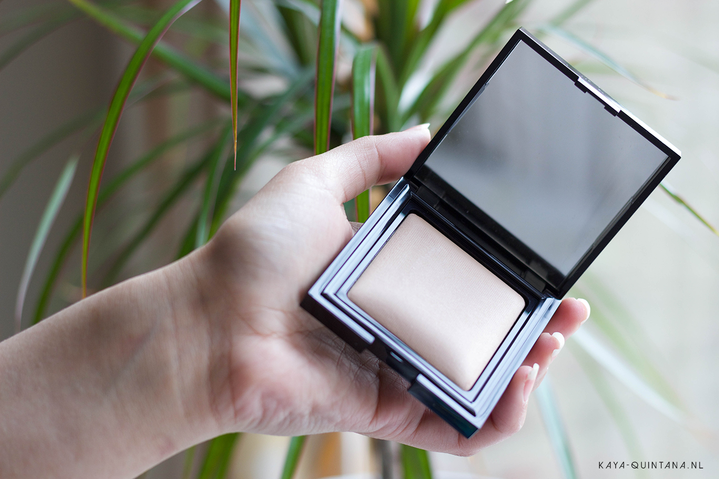 Laura Mercier Sheer candleglow sheer perfecting powder review