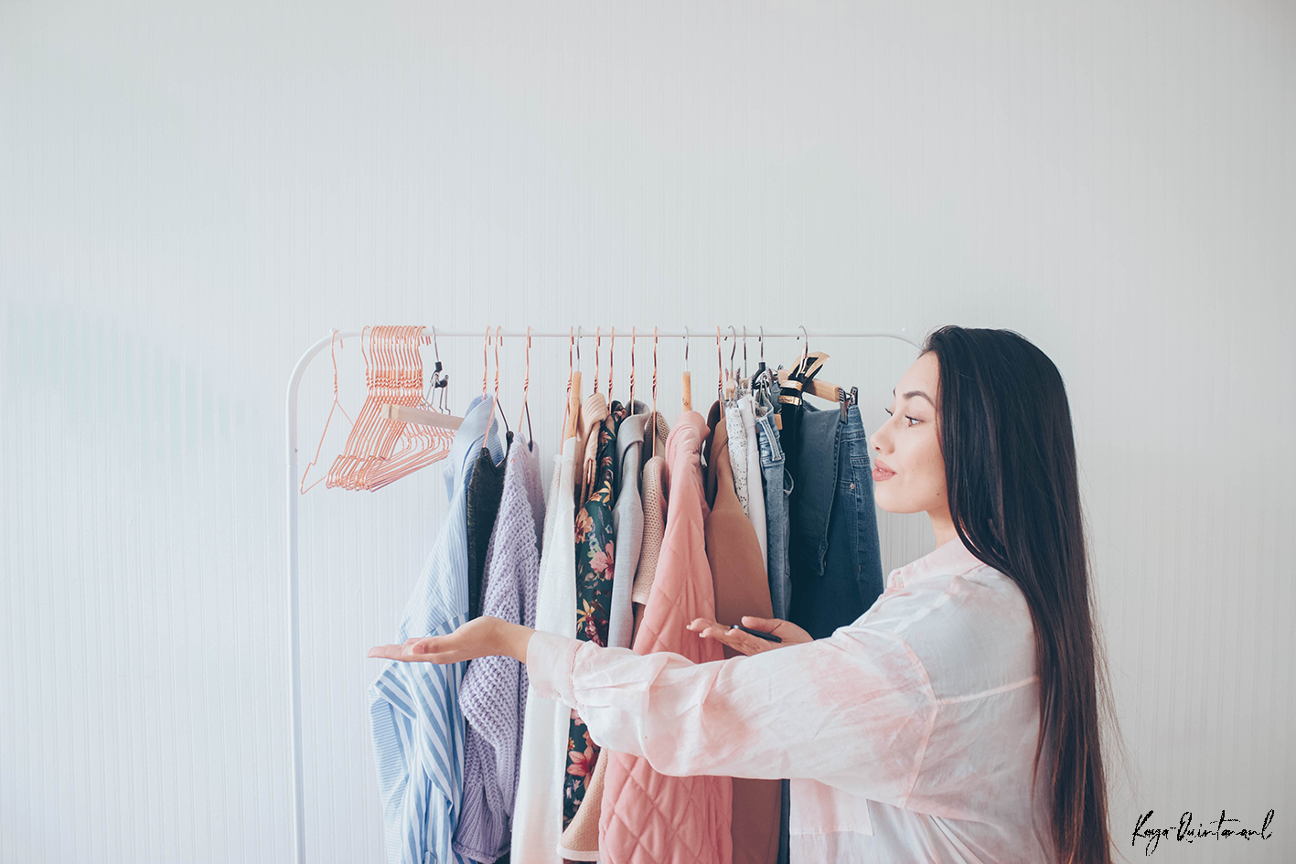 organize my capsule wardrobe