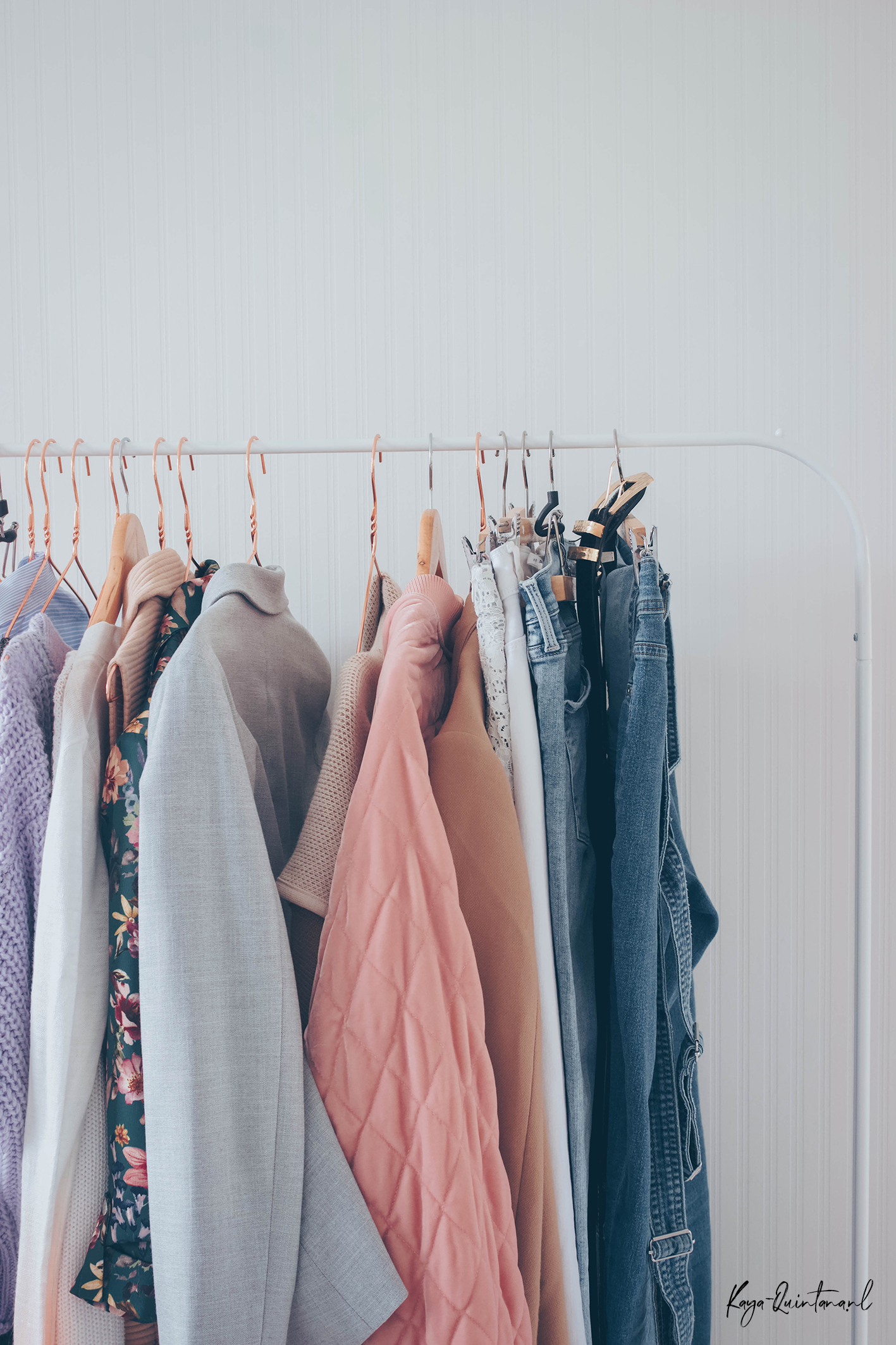 Decluttering and organizing my capsule wardrobe
